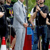 Ryan Renolds Grey Suit